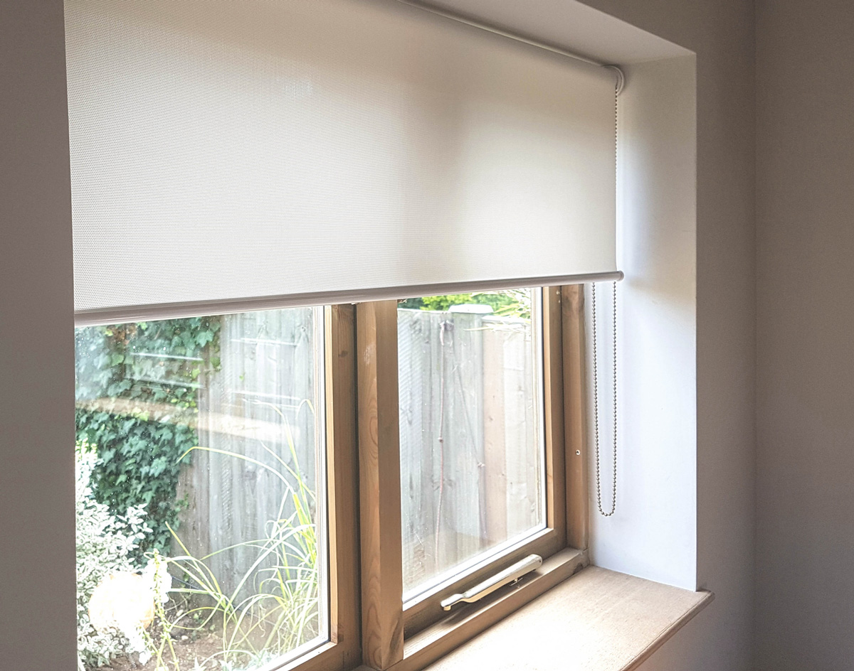 Sunscreen Roller Blinds Reduce Glare Effect Otrt Interiors